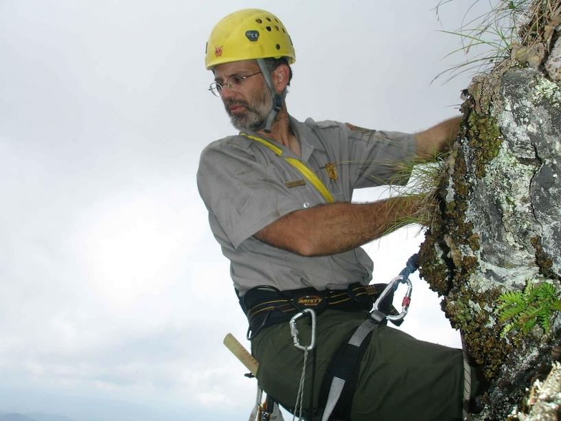 Kletterausrüstung Prüfen : Klettern als sport für senioren & best ager tipps tricks