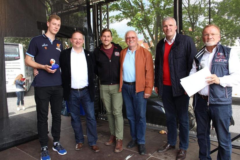 Entenrennen, Tobias Bode (li.), Florian Stein (mi.), Andreas Bausewein (2. v. re.), Heinz-Jochen Spilker (re.)
