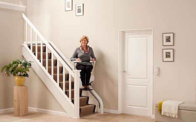 Treppenlift | Rollstuhl | Wendeltreppe | Treppenaufzug | Sicherheit