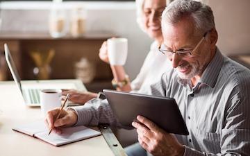 Senioren Tablet Betreuer Tablet Von Media4care Im Großen Test 2019