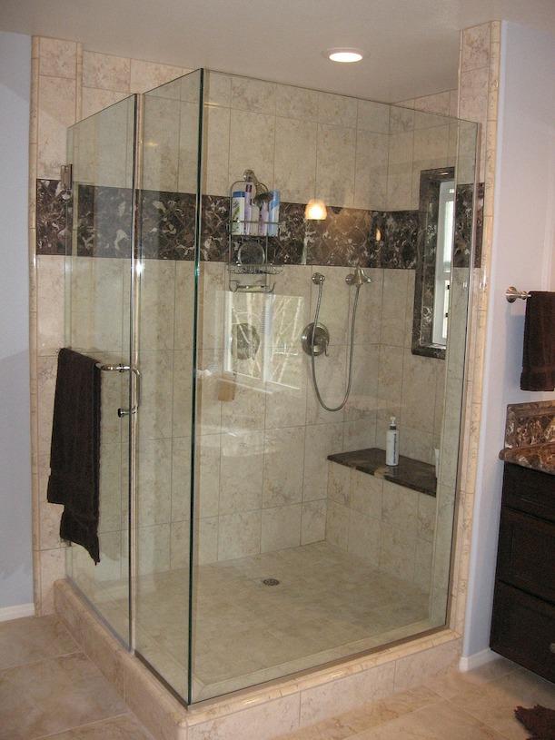 Sitz Stuhl F?r Dusche : Gro?e Duschkabinen bieten genug Platz f?r Duschhocker und Duschsitze